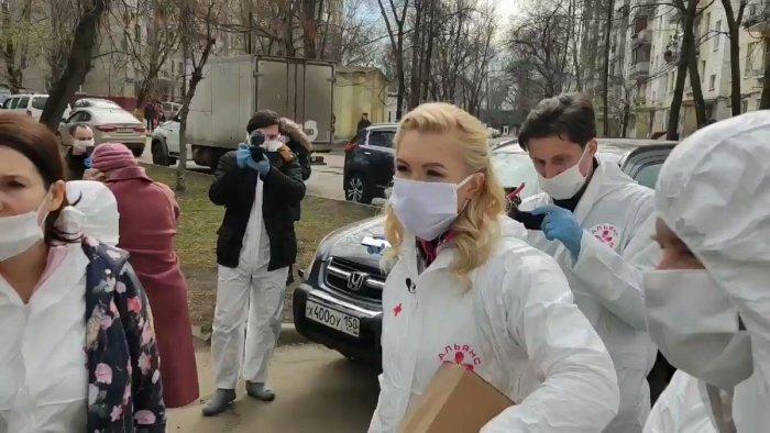 «Обращайтесь к начальству»: Дмитрий Песков отреагировал на жалобы врачей
