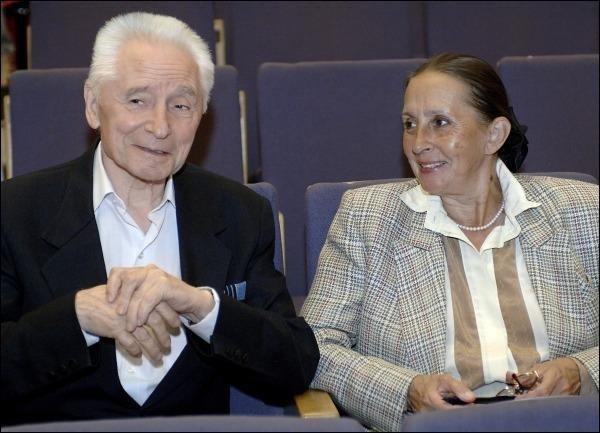 The bolshoi ballet company in giselle movie type: movie director: vladimir gravestars: natalia bessmertnova