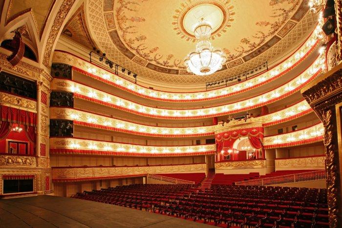 Билеты вПетербургские театры будут реализовываться вдвое дешевле