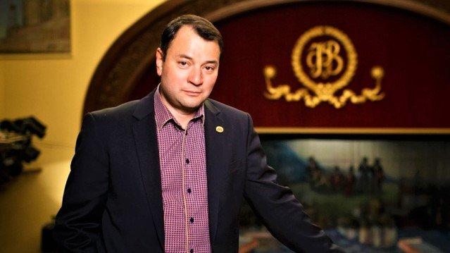 Серебренников отпущен изСКР под обязательство оявке кследователю