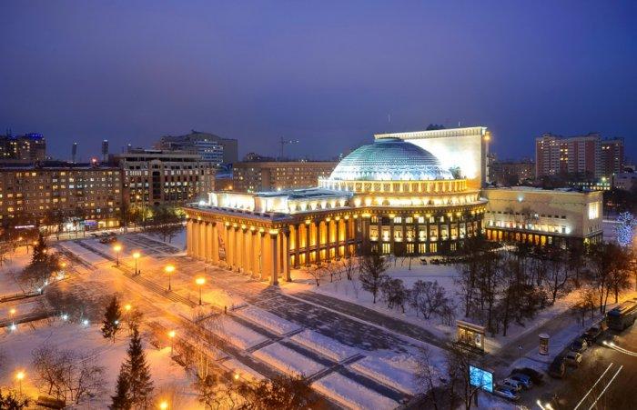 Концертный зал скиноэкраном открыли вновосибирском оперном театре