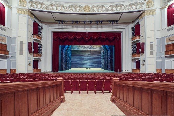 ВНовосибирск приехал сгастролями балет Парижской государственной оперы